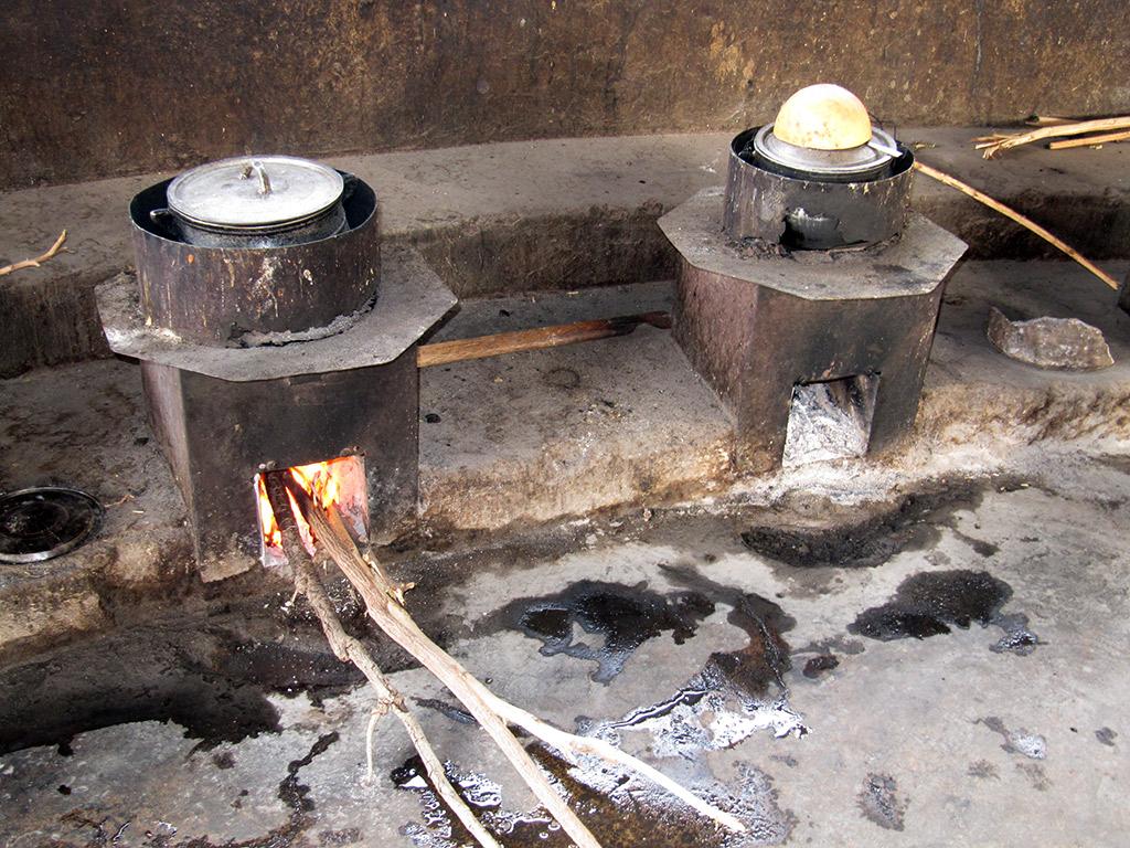 Les cuiseurs à bois installés au Bénin